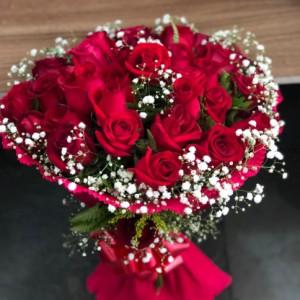 Buquê com 18 Rosas Colombianas