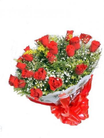 Buquê com 24 Rosas Colombianas Vermelhas
